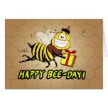 Saludo del cumpleaños de la abeja - día feliz de tarjeta de felicitación