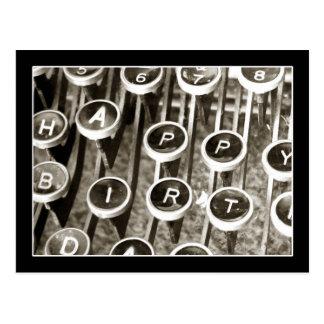 Saludo del cumpleaños de la máquina de escribir de postal