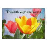 Saludo del Día de la Tierra de la alegría de la pr Felicitaciones