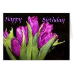 Saludo púrpura del cumpleaños de los tulipanes tarjeta
