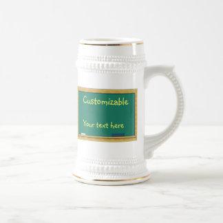 Saludo verde de la pizarra - personalizable jarra de cerveza