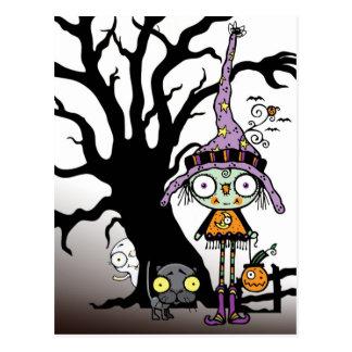 Saludos de Halloween de la bruja en púrpura Postal