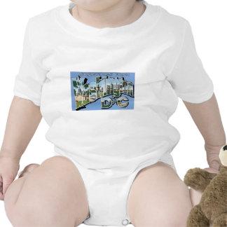 ¡Saludos de la C.C. de Washington! Postal del Traje De Bebé