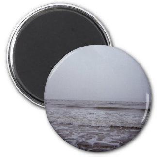 Saludos de las costas de la isla del roble imán redondo 5 cm