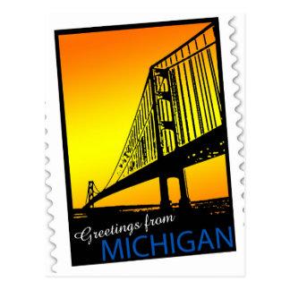 ¡Saludos de Mackinac Brige de Michigan! Tarjeta Postal