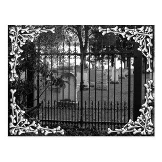 ¡Saludos del cementerio - Postal 2