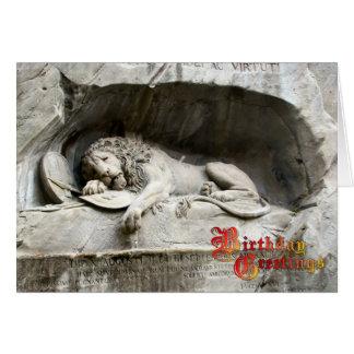 Saludos del cumpleaños - monumento del león, tarjeta de felicitación