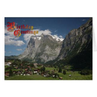 Saludos del cumpleaños - valle de Lauterbrunnen Tarjeta De Felicitación