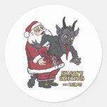 Saludos del día de fiesta de Krampus (y de Santa) Pegatina Redonda