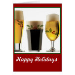 Saludos del día de fiesta de los vidrios de cervez tarjeton
