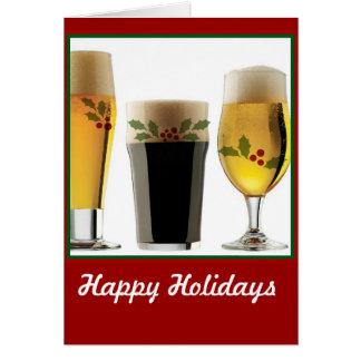 Saludos del día de fiesta de los vidrios de cervez tarjeta de felicitación