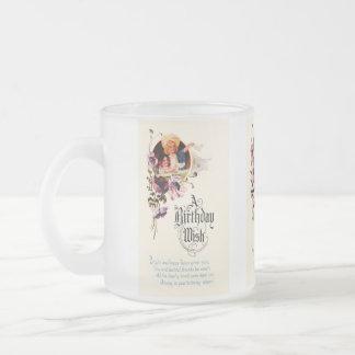 Saludos del feliz cumpleaños del vintage taza de cristal
