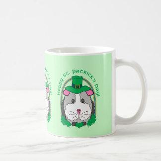 Saludos del Leprechaun de Lil Taza De Café