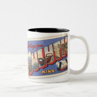 Saludos del vintage de Duluth Minnesota Taza De Dos Tonos