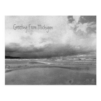Saludos tempestuosos de la postal del lago Michiga