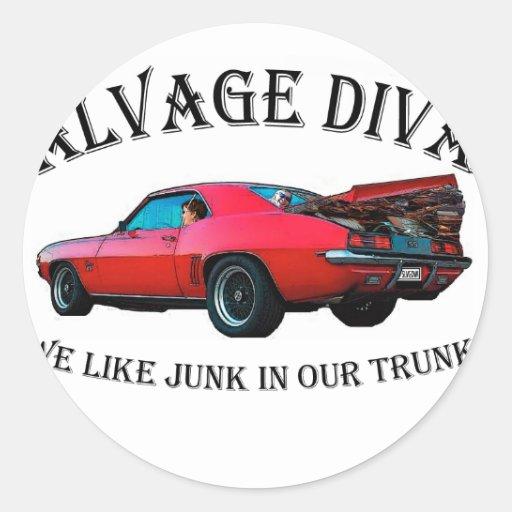 Salvage Divas Junk in the trunk Round Sticker
