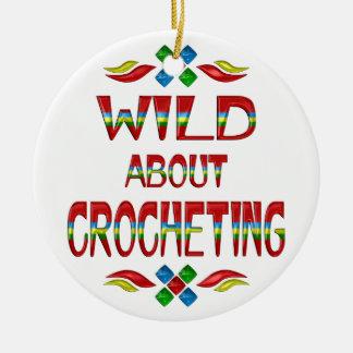 Salvaje sobre Crocheting Adorno Navideño Redondo De Cerámica