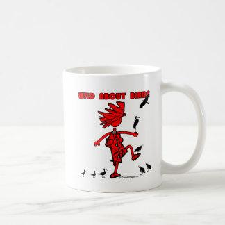 Salvaje sobre diseño rojo de los pájaros tazas de café