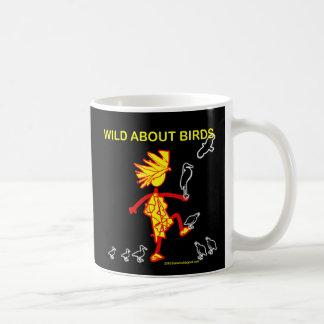 Salvaje sobre diseños de los pájaros taza de café