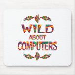Salvaje sobre los ordenadores tapetes de ratones