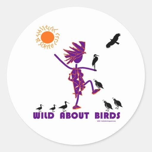 Salvaje sobre pájaros pegatina redonda
