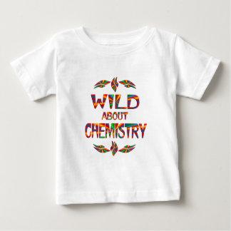 Salvaje sobre química camisas