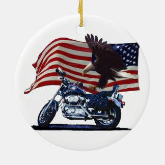 Salvaje y libere - Eagle patriótico, la moto y la Adorno Navideño Redondo De Cerámica