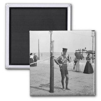 Salvavidas de la playa de Brighton, 1900s temprano Imán Cuadrado