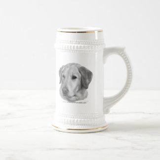 Sam, labrador retriever amarillo taza