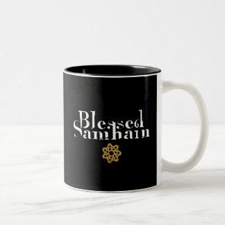 Samhain bendecido taza de dos tonos