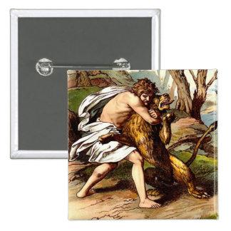 Samson y el león pin cuadrado