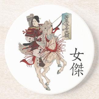 Samurai de la mujer - texto del japonés de la hero posavasos para bebidas
