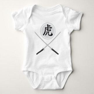 samurai sword remera