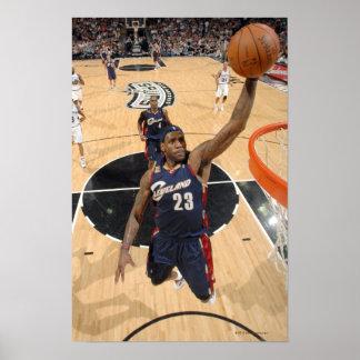 SAN ANTONIO - 26 DE MARZO:   LeBron James #23 de 3 Impresiones