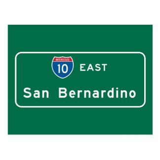 San Bernardino, señal de tráfico de CA Tarjetas Postales