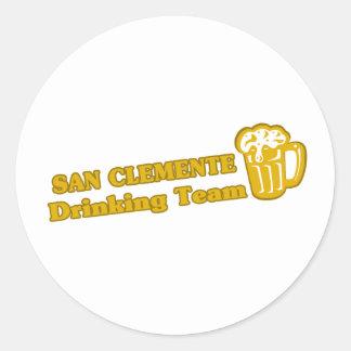 San Clemente que bebe las camisetas del equipo Pegatina Redonda