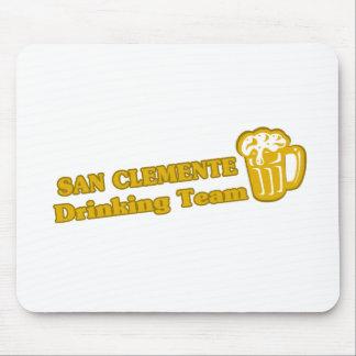 San Clemente que bebe las camisetas del equipo Tapete De Raton