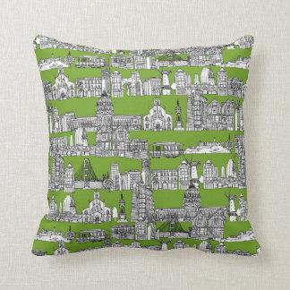 San Francisco / green Throw Pillow