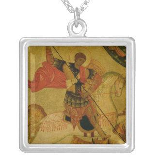 San Jorge que mata el dragón Collar Plateado