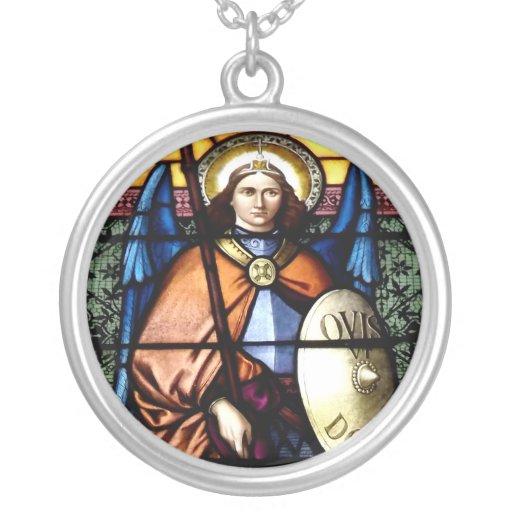 San Miguel el vitral del arcángel Pendientes
