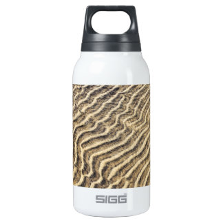 Sand ripples in shallow water insulated water bottle