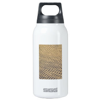 Sand ripples in shallow water thermos bottle