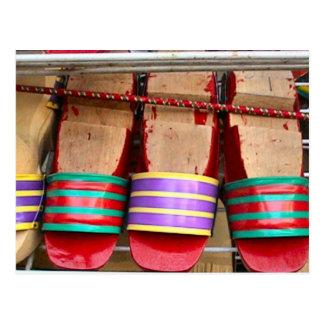 Sandalias de madera mercado de Bugis Tarjeta Postal