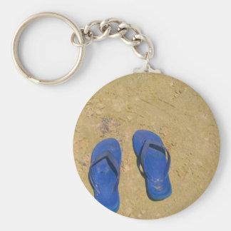 Sandalias en la arena llavero personalizado