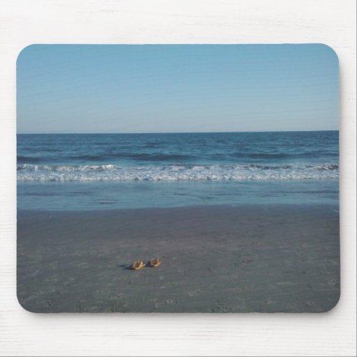 Sandalias en la playa Mousepad