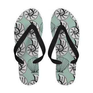 Sandalias náuticas del flip-flop de la playa del