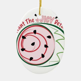 Sandía jugosa adorno navideño ovalado de cerámica