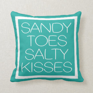 Sandy toca con la punta del pie besos salados cojín decorativo