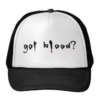 ¿sangre conseguida? gorros bordados
