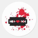 Sangre del amor de la hoja de afeitar pegatina redonda
